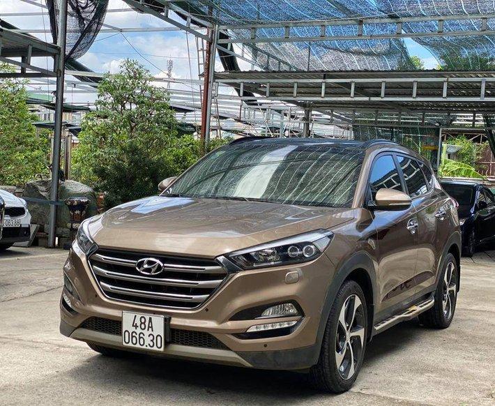 Xe Hyundai Tucson đời 2018, màu nâu còn mới, 815tr giá tốt0