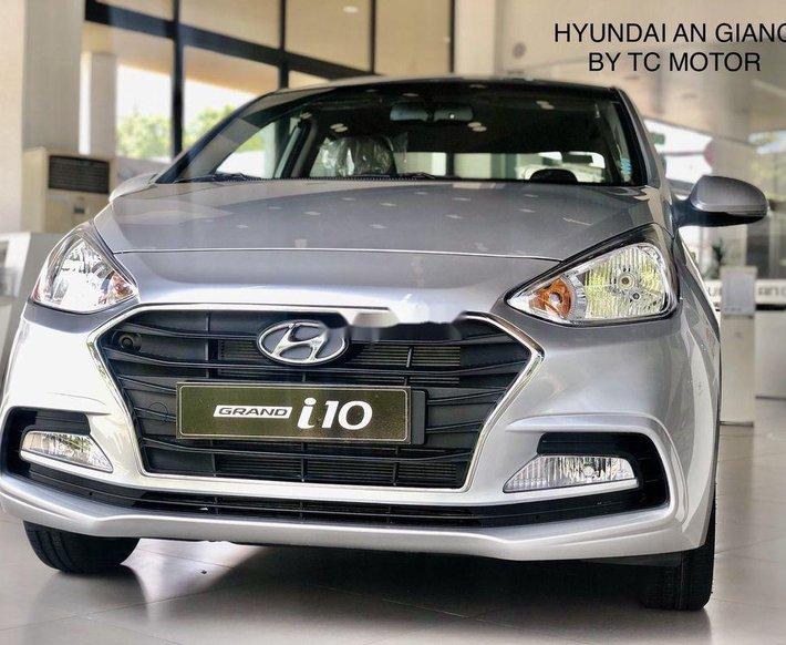 Bán Hyundai Grand i10 đời 2021, màu bạc, 372 triệu0