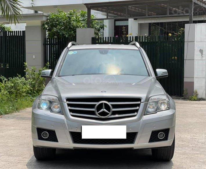 Xe Mercedes-Benz năm sản xuất 2011, màu trắng, nhập khẩu0