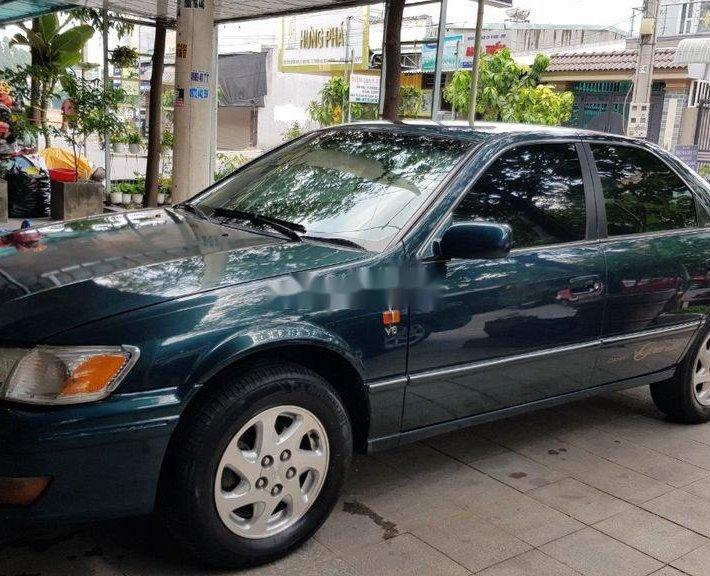 Cần bán Toyota Camry đời 2000, màu xanh lam, nhập khẩu xe gia đình, 205 triệu0