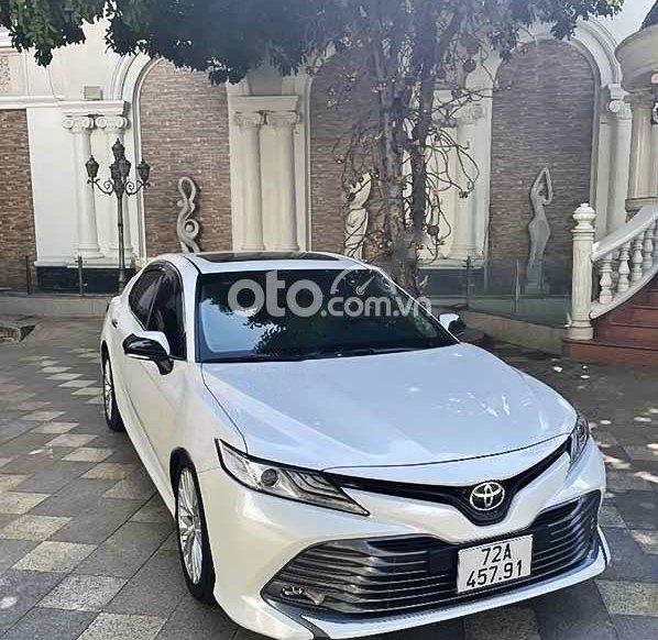 Xe Toyota Camry 2.5Q 2020, màu trắng, nhập khẩu  0