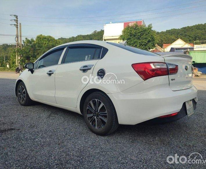 Bán ô tô Kia Rio năm sản xuất 2017, màu trắng xe gia đình, giá tốt0