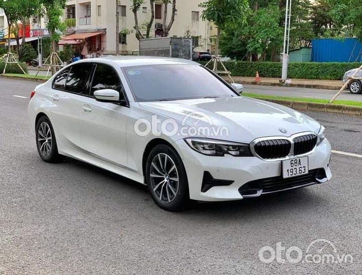 Bán BMW 320i SportLine năm sản xuất 2021, màu trắng, nhập khẩu0