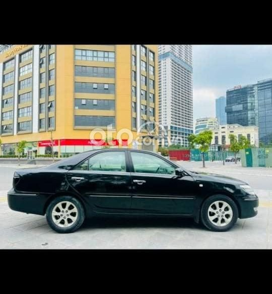 Cần bán gấp Toyota Camry 2005, màu đen0