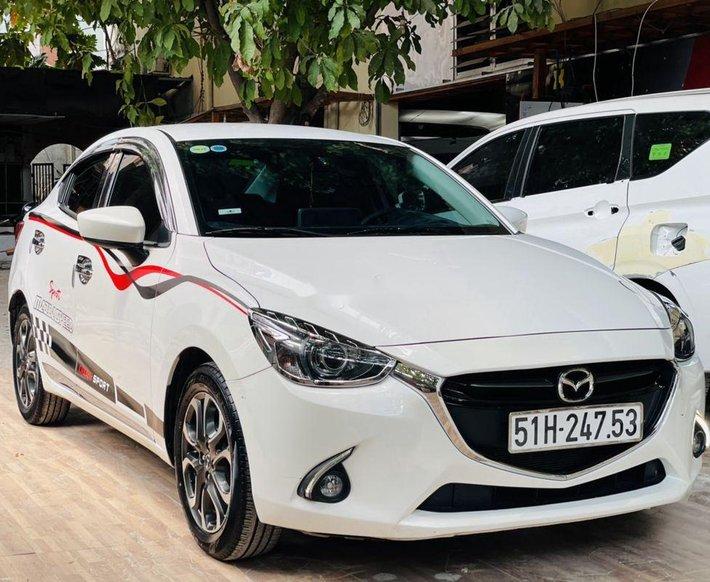 Cần bán lại xe Mazda 2 sản xuất năm 2017 còn mới, 405 triệu0