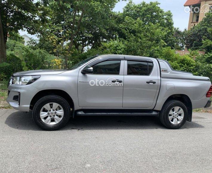 Cần bán gấp Toyota Hilux 2.4 đang đi chính chủ, cực mới0