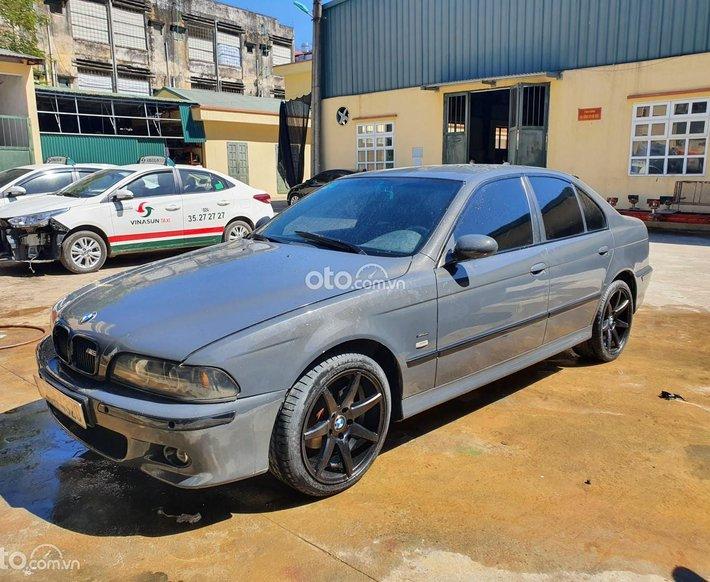 Cần bán BMW 525i sản xuất 20010
