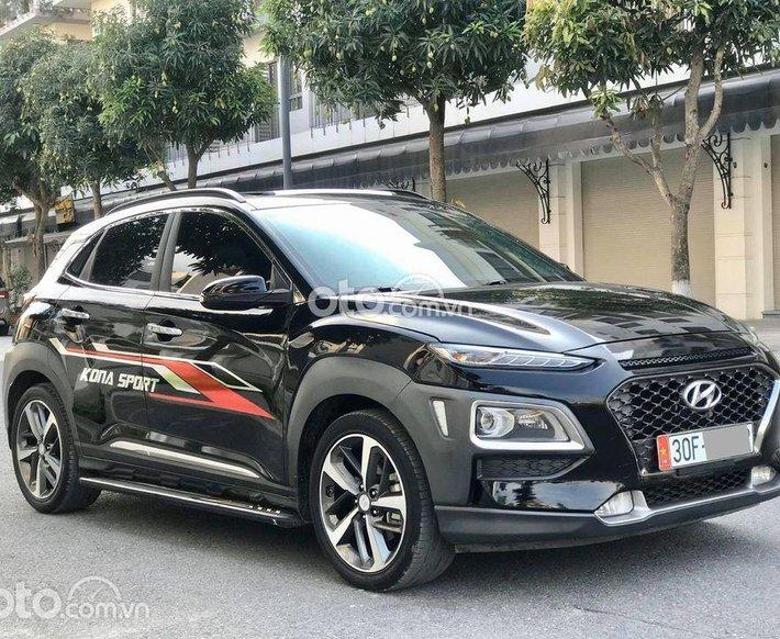 Cần bán xe Hyundai Kona đời 2018, màu đen0