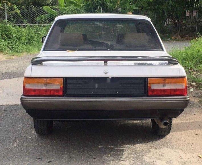 Bán xe Peugeot 505 sản xuất năm 1986, màu trắng, xe nhập0