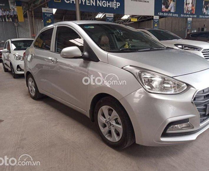 Cần bán lại xe Hyundai Grand i10 sản xuất 2019, màu bạc giá cạnh tranh0