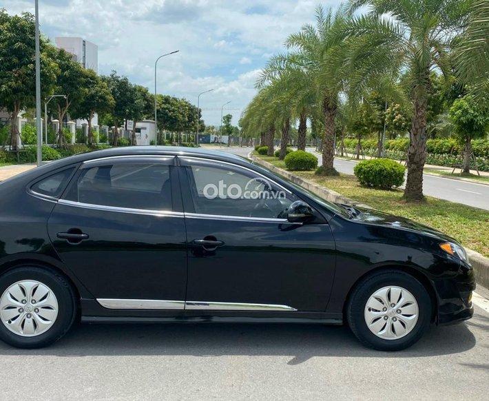 Gia đình cần bán Hyundai Avante 1.6MT sx 2012, số tay, xe chính chủ0