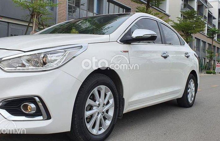 Xe Hyundai Accent đời 2018, màu trắng0