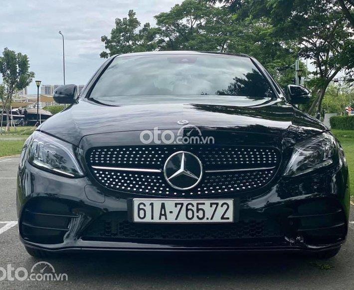 Bán ô tô Mercedes C300AMG năm sản xuất 2020, màu đen0