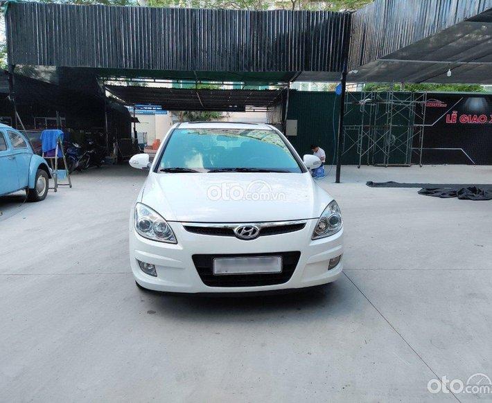 Cần bán Hyundai i30 năm sản xuất 2009, nội thất ghế da xịn sò, giá cực tốt0