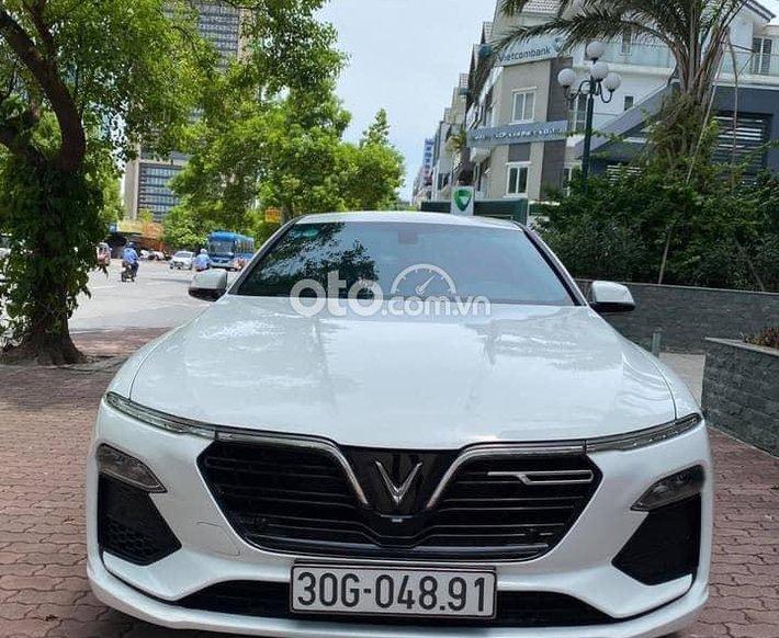 Bán ô tô VinFast LUX A2.0 2019, màu trắng0