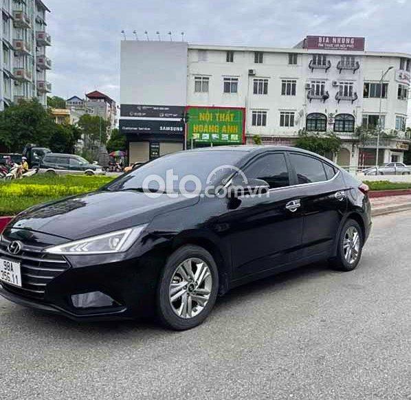 Xe Hyundai Elantra sản xuất 2019, màu đen còn mới, 585 triệu0