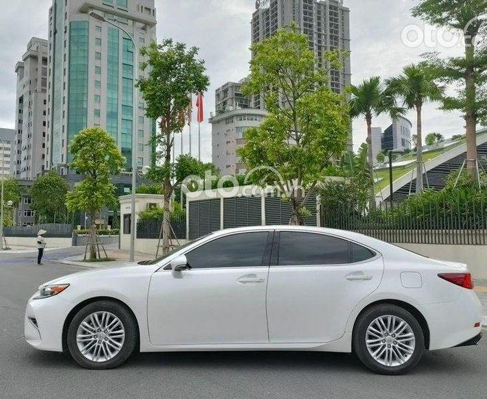 Cần bán xe Lexus ES 250 năm sản xuất 2016, màu trắng, nhập khẩu0