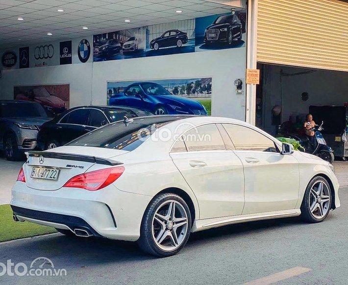 Cần bán Mercedes CLA250 đời 2015, màu trắng0