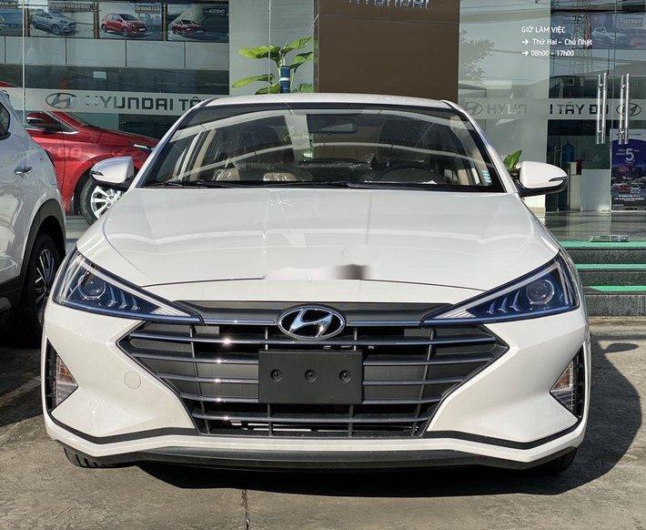 Bán xe Hyundai Elantra đời 2021, màu trắng, xe nhập0