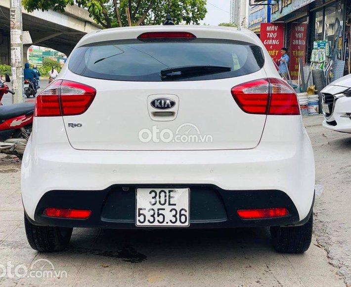 Xe Kia Rio sản xuất 2014, màu trắng, xe nhập0
