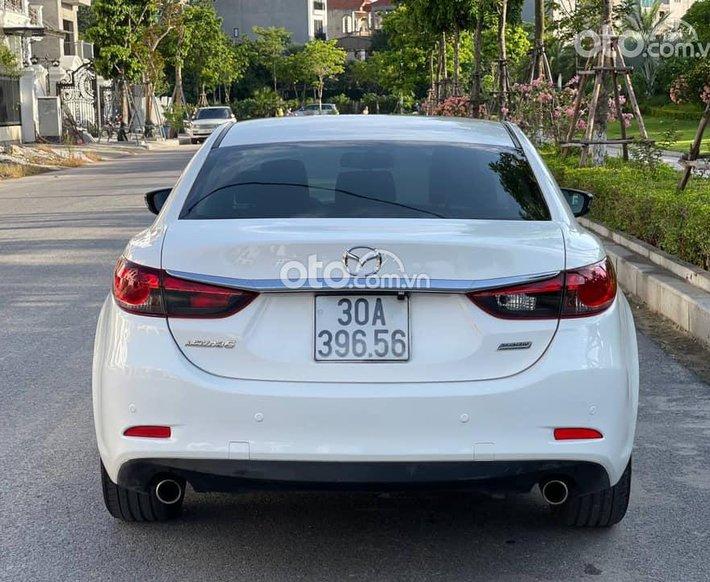 Xe Mazda 6 năm 2014, màu trắng0