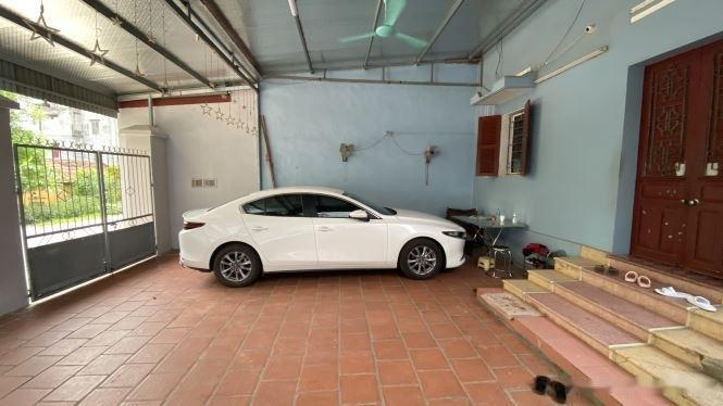 Bán xe Mazda 3 1.5L AT năm 2020, màu trắng còn mới0