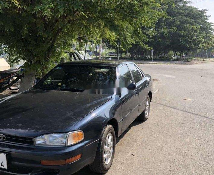 Cần bán xe Toyota Camry năm 1992, nhập khẩu, giá 125tr0