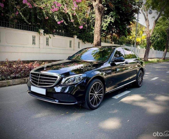 Mercedes Benz C200 Exclusive, model 2021 chưa tới 1tỷ6, bảo hành chính hãng, giao xe toàn quốc0