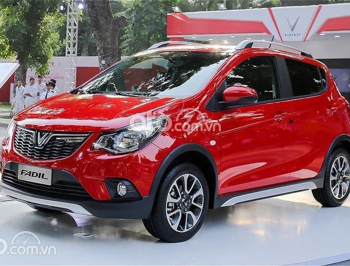 Bán xe VinFast Fadil Full năm 2021, màu đỏ0