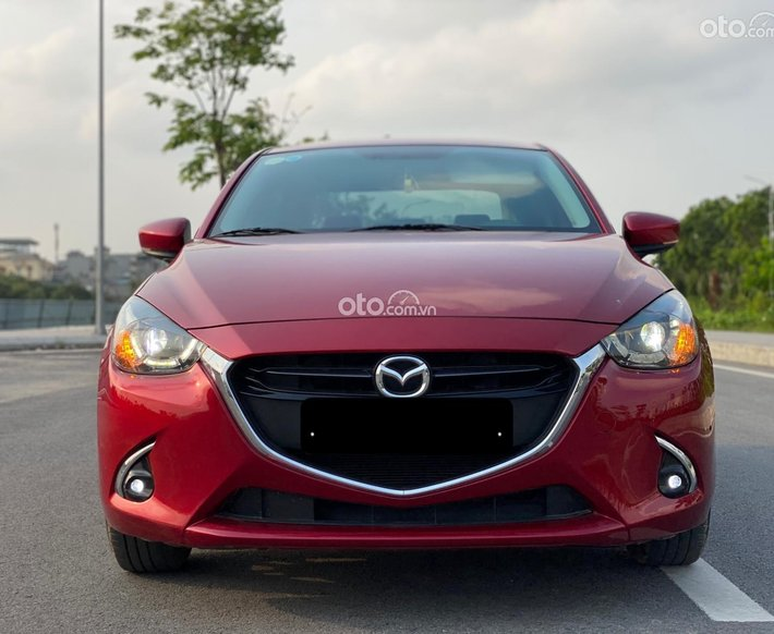 Cần bán Mazda 2 2019 nhập Thái đỏ ruby may mắn0