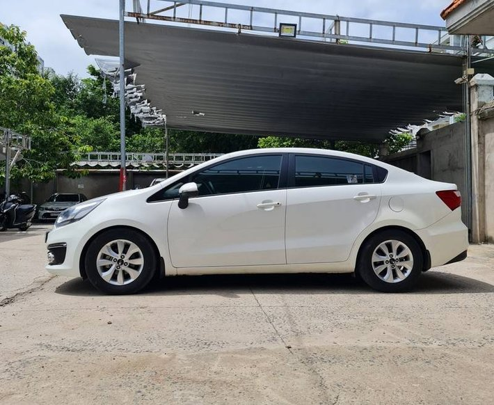 Bán Kia Rio năm 2017, màu trắng, nhập khẩu nguyên chiếc chính chủ0