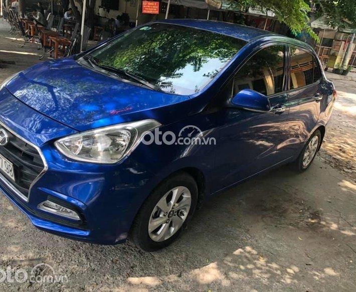 Cần bán Hyundai Grand i10 đời 2019, màu xanh lam xe gia đình, giá 380tr0