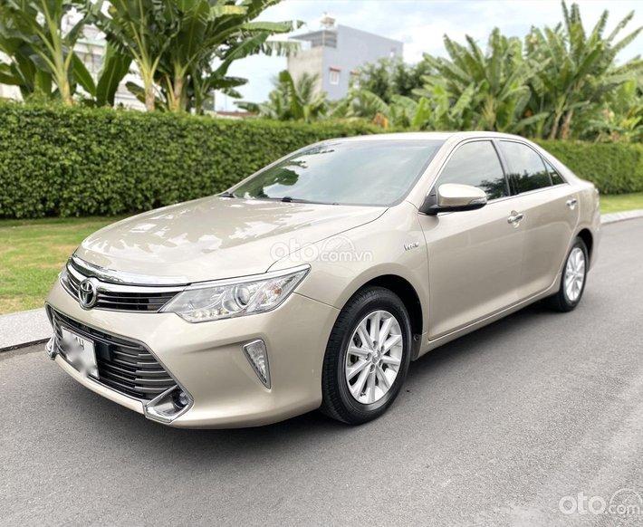 Bán ô tô Toyota Camry 2.0E năm sản xuất 2016, 735 triệu0
