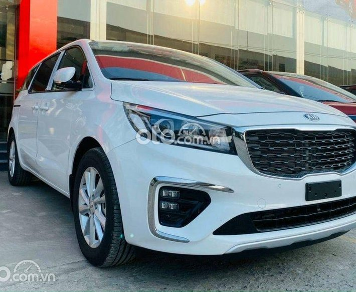 Bán Kia Sedona 2.2 DAT Luxury đời 2021, màu trắng0