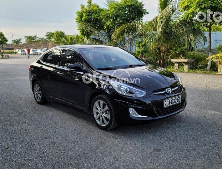 Bán Hyundai Accent Blue 1.4 MT 2015, màu đen, nhập khẩu xe gia đình0