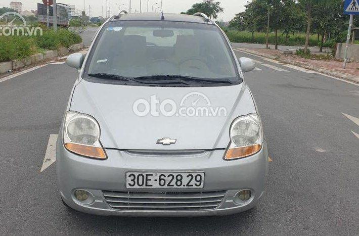 Cần bán lại xe Chevrolet Spark sản xuất năm 2010, màu bạc số sàn0