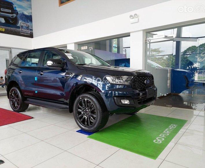 [Hồ Chí Minh] Ford Everest sản xuất 2021, ưu đãi sốc mùa covid, ưu đãi lên đến 100tr tiền mặt, đủ màu, giao ngay0