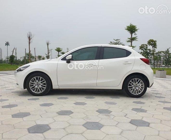 Cần bán xe Mazda 2 sản xuất 2020, màu trắng0