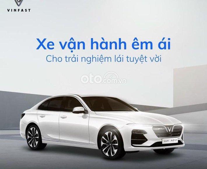 Bán xe VinFast LUX A2.0 Plus đời 2021, màu trắng0