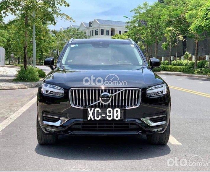 Bán xe Volvo XC90 đời 2021, màu đen0