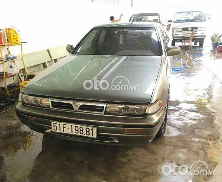 Cần bán lại xe Nissan Cefiro 1992, màu xám, xe nhập còn mới, 105 triệu0
