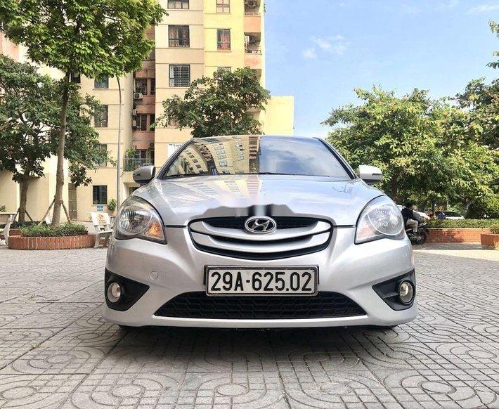 Cần bán lại xe Hyundai Verna sản xuất 2010, nhập khẩu, giá tốt0