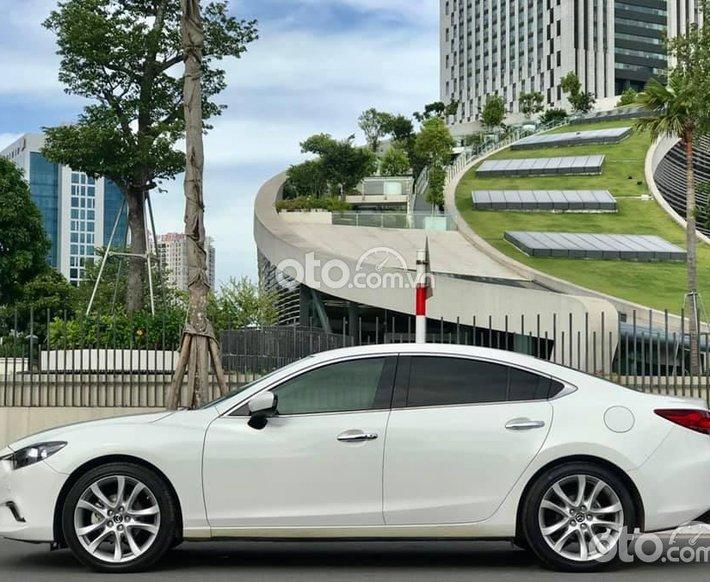 Bán ô tô Mazda 6 2.5 sản xuất 2015, màu trắng0