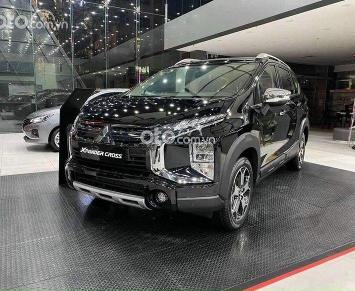Cần bán xe Mitsubishi Xpander Cross đời 2021, màu đen, giá tốt0