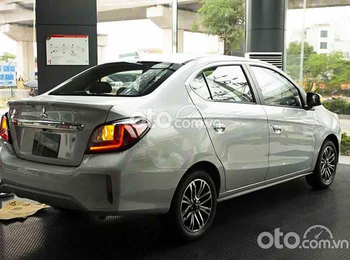 Bán ô tô Mitsubishi Attrage 1.2 CVT đời 2021, màu trắng, xe nhập, 460tr0