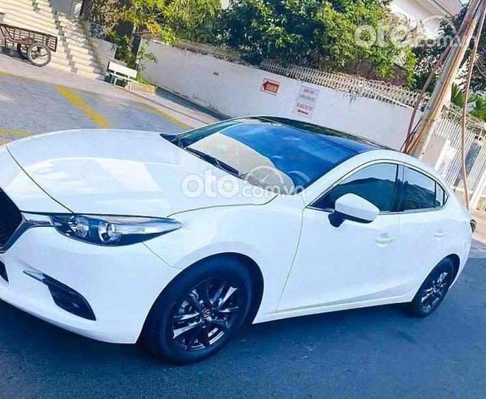 Cần bán gấp Mazda 3 1.5 AT 2018, màu trắng, 538tr0