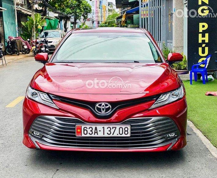 Xe Toyota Camry sản xuất năm 2020, màu đỏ, nhập khẩu0