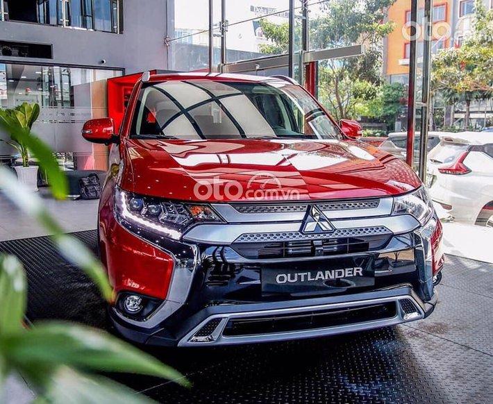 [Duy nhất tháng 7] Mitsubishi Outlander giảm 50% thuế trước bạ, gói vay 80-85% lãi xuất 7%/ năm0