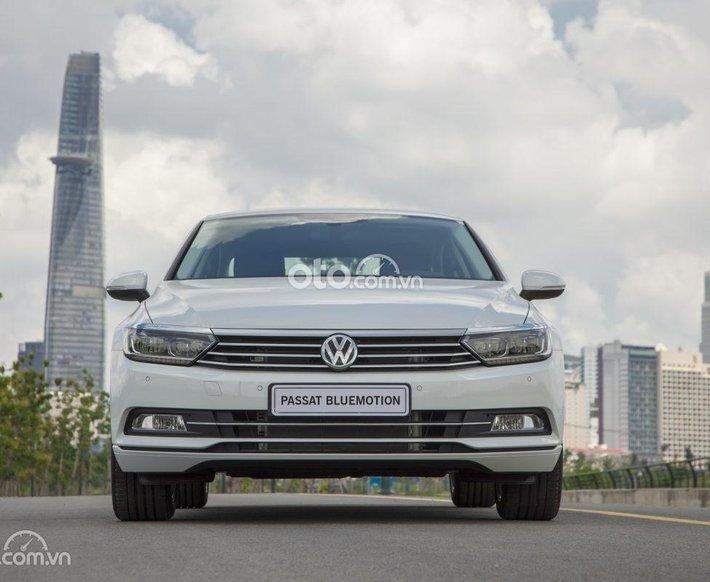 Volkswagen Passat Bliuemotion Trắng ngọc trai - khuyến mãi đến 200 triệu0