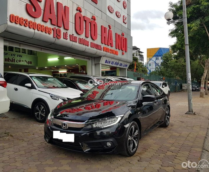 Sàn ô tô Hà Nội bán Honda Civic 1.5L Turbo nhập khẩu màu đen sản xuất tháng 10/2017 xe tư nhân chính chủ một chủ từ đầu0